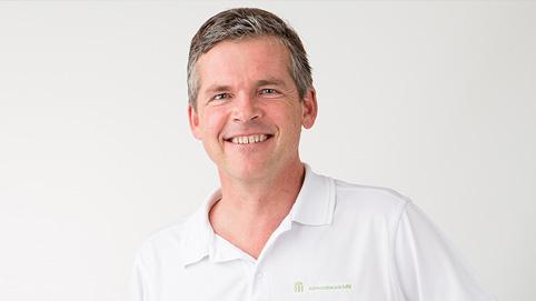Dr. Thomas Böll